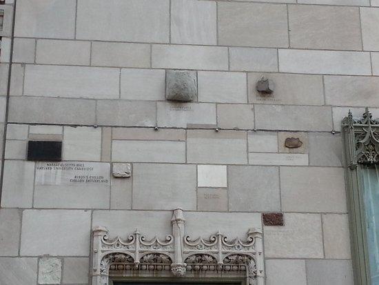 Chicago Detours: Tribune Tower exterior