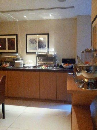 Hotel Le Six: Breakfast Buffet