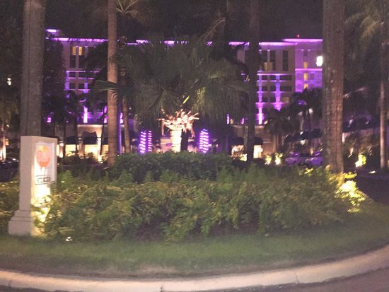 The Ritz-Carlton, San Juan: Front of the hotel at night