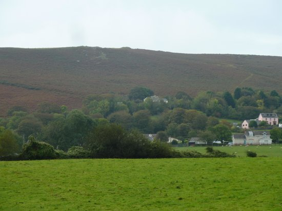 Tallizmand Guest House : Llanmadoc Hill lies behind.  If you like archaeology, there is an Iron Age camp here and spectac
