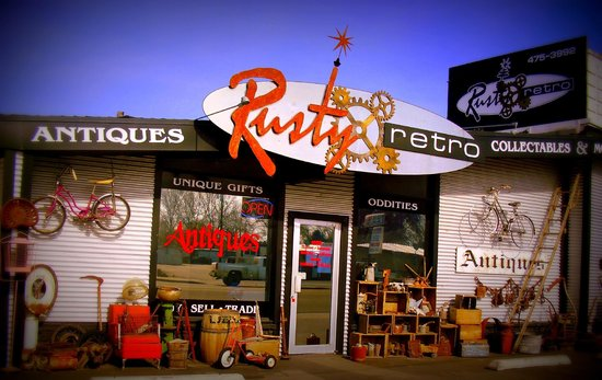 Rusty Retro Antiques & Oddities