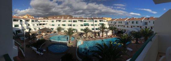 Apartments Alondras Park: pool panorama