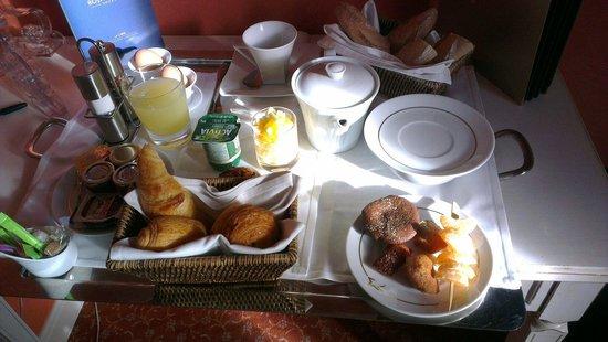 Hôtel Princesse Flore : Petit déjeuner en chambre svp
