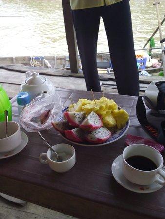 Nam Mon Hotel : Desayuno en la excursión de los mercados flotantes