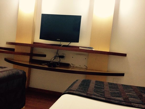Planalto Bittar Hotel : Interior do quarto