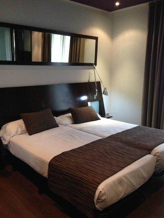 Petit Palace Arana: cama