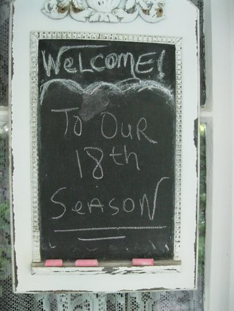 4-1/2 Street Inn Bed and Breakfast : Loved this note on the front door.