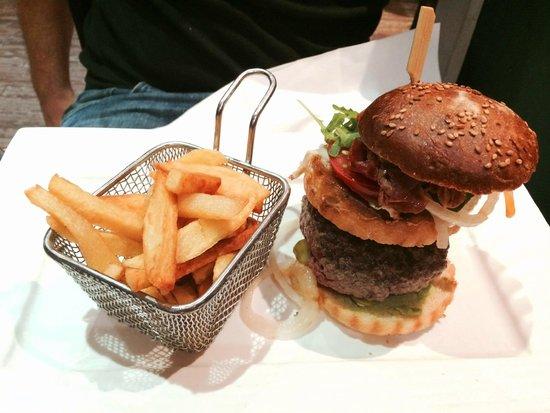 le physalis: Empire Cheeseburger