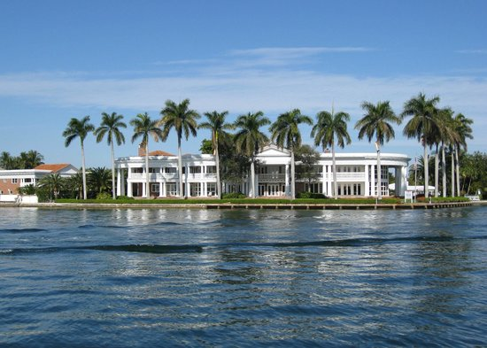 Intracoastal Waterway: Mansion on the Inland Waterway