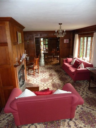 Little Gables : the magnificent lounge and dining room