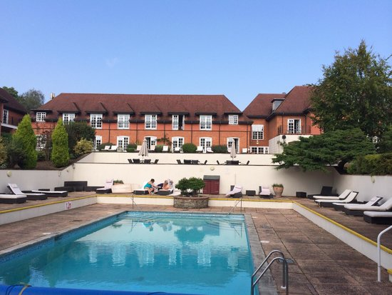 Champneys Forest Mere: Outdoor Pool could do with a little tlc