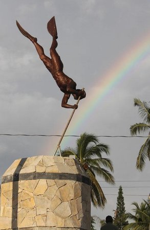 El Buzo de Bucerias : The Diver at the end of the rainbow