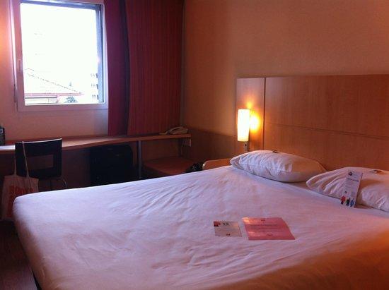 ibis Locarno: Schlafzimmer bei unserer Ankunft