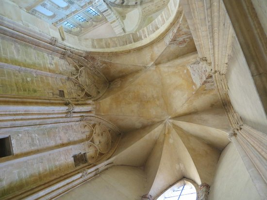 Abbey of Cluny: Interior roof of ruins of Basilica