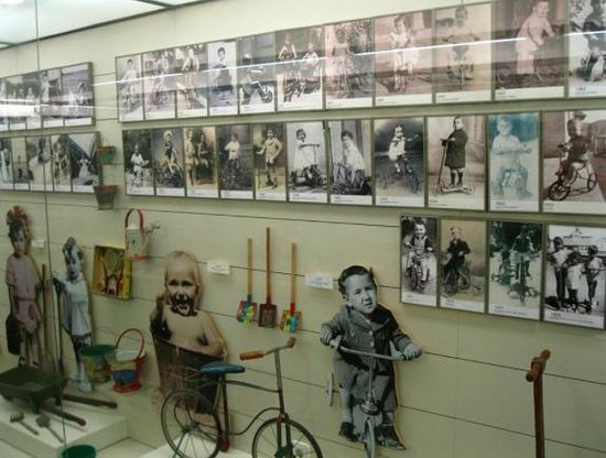 Museu del Joguet de Catalunya: Painel de fotos