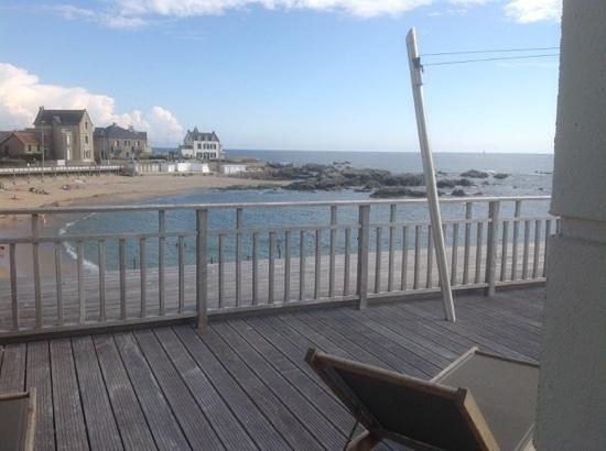 L'Ocean : terasse de la chambre avec vue plage