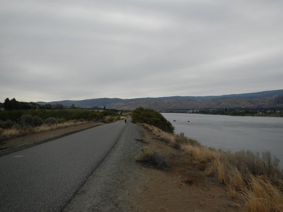 Apple Capital Loop Trail: A straight section on the eastern side