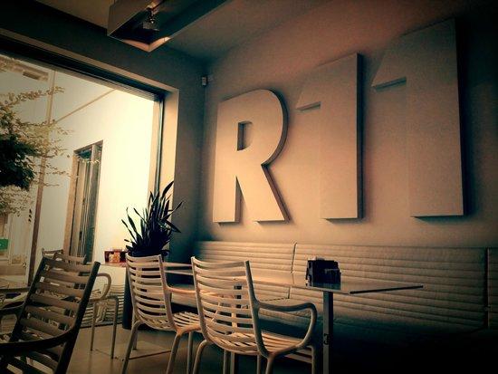 R11 Caffe