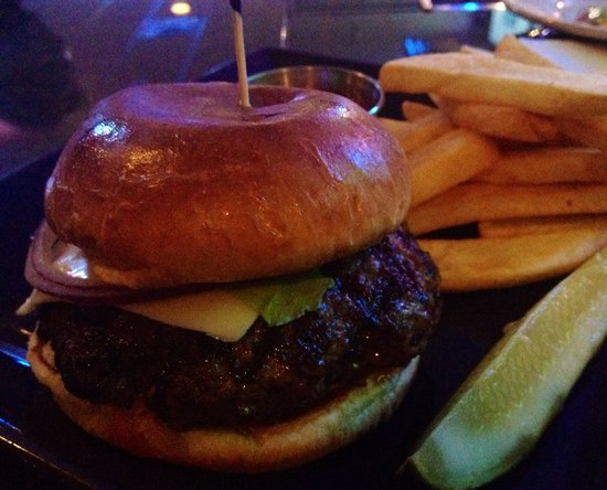 Holiday Inn Houston - NRG/Medical Center Area : Amazing bar burger.