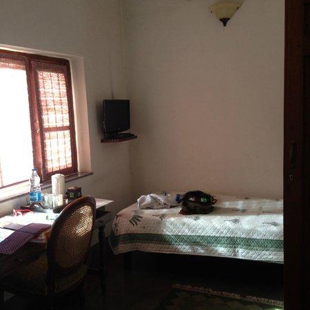 Lutyens Bungalow: room