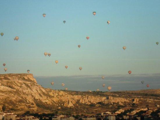 Mustafa Hotel: balões ao nascer do sol