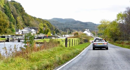Crinan Canal: On The Road