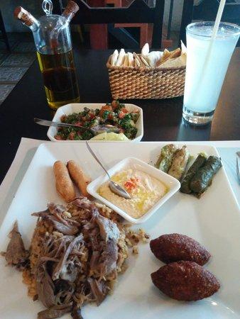 La Taberna Libanesa: Assorted dishes