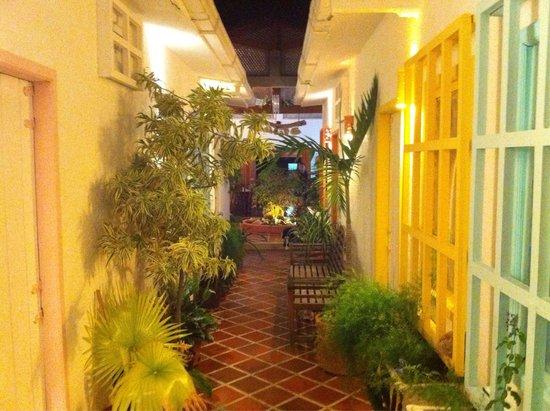 Posada Macondo: Il corridoio verso le camere