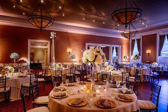 Tidewater Inn: Gold Ballroom, Reception Set-Up