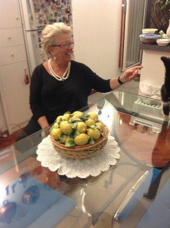 B&B Casa Azzurra : The friendly hostess, and great coffee maker.