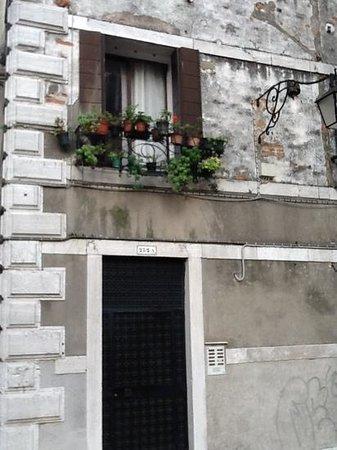Villa Le Torri: Mal/Jan  London, ONjn