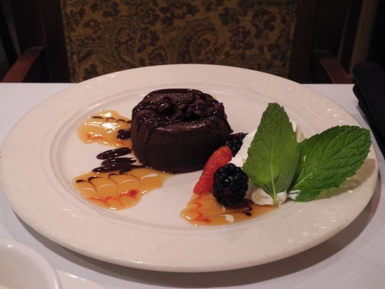 Chip's Sanibel Steakhouse : Chocolate Lava Cake