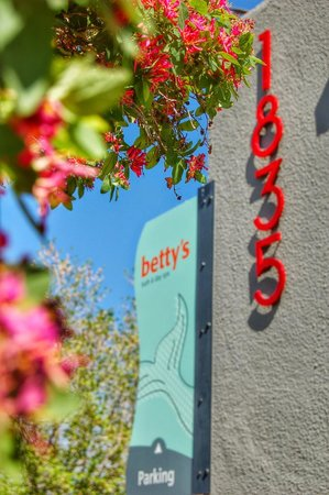 Betty's Bath and Day Spa: Entrance