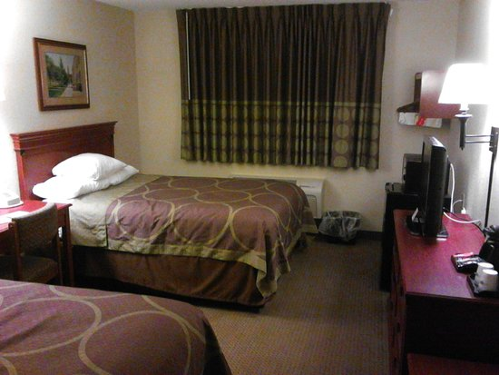 Super 8 Ithaca: View of Room from Entry