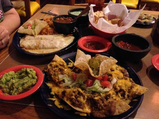 Mamacita S Restaurant Cantina Mexican Food That Muy