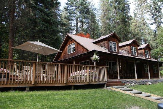 Ponderosa Country Inn : House