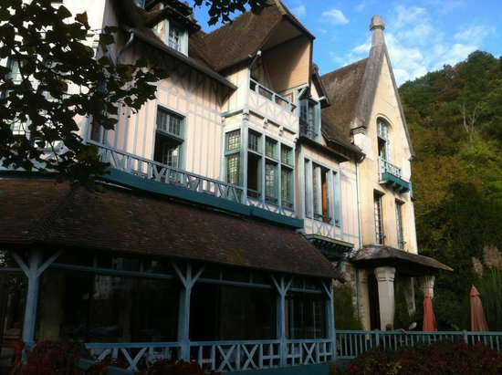 Moulin de Connelles: Front from the island