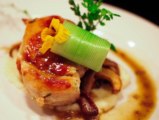 Pearla na Mara: Supreme of chicken