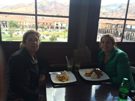 Inkatraces Day Tours: Almuerzo frente a la Plaza de Armas (Cusco)