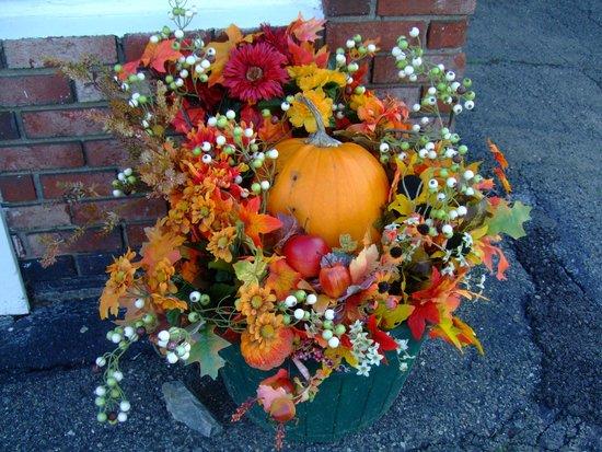 Vacationland Inn: Lovely Thanksgiving decorations