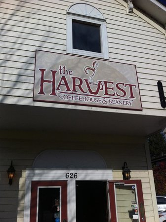 Harvest Coffee House & Beanery : Main sign