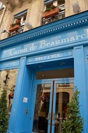 Hotel Caron de Beaumarchais : Façade of the Inn