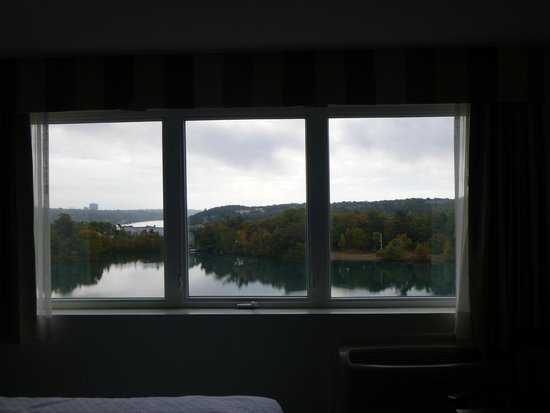Best Western Plus Chocolate Lake Hotel : The view from a 7th floor room