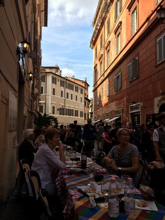 pizza rustica Lo Scricciolo: Street View from Terrace toward the Trevi Fountain