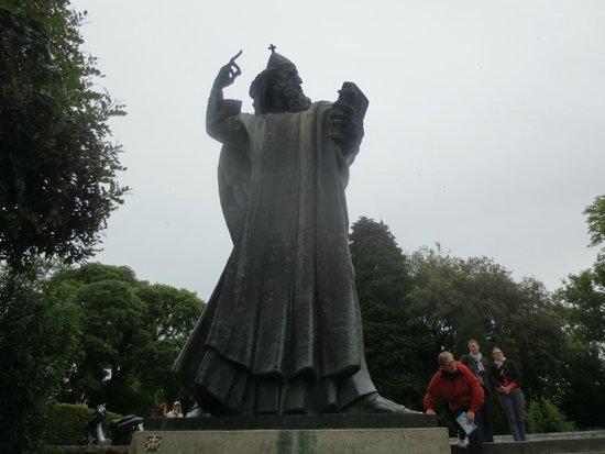 Grgur Ninski Statue : グルグール・ニンスキの像