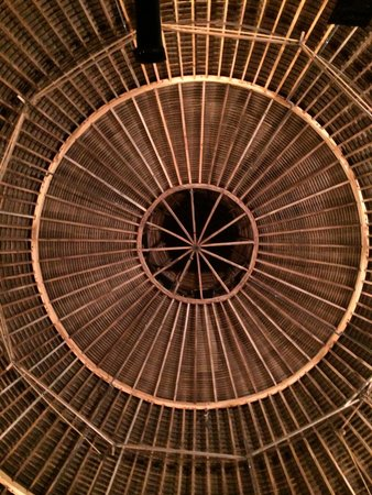 The Round Barn Theatre at Amish Acres: Round Barn Theater