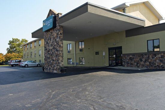 Quality Inn Hall of Fame: Main Entrance
