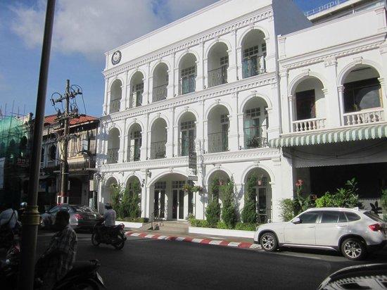 Casa Blanca: Hotel Front