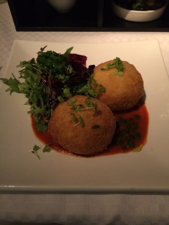 Tanzini : Arancini balls with crab  the size of tennis balls 