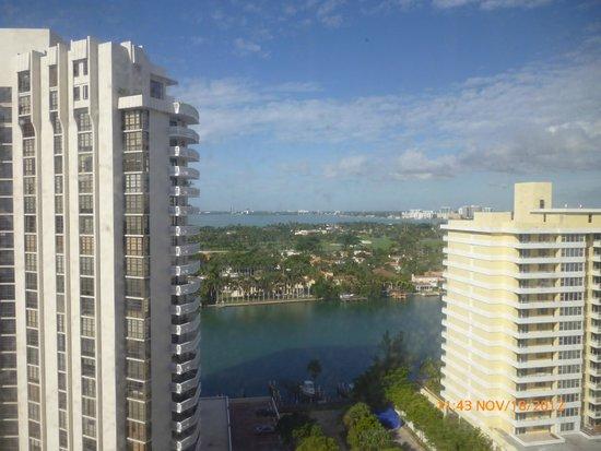 Costa Galana Miami: Vista de la habitación
